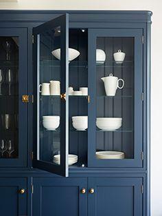 Azul Pantone, Pantone 2020, Pantone Color, Blue China Cabinet, Painted China Cabinets, Modern China Cabinet, Paint Furniture, Furniture Makeover, Dresser Makeovers