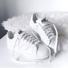 Oft kopiert, nie erreicht: adidas Stan Smith. Hier entdecken und shoppen: http://sturbock.me/QIJ