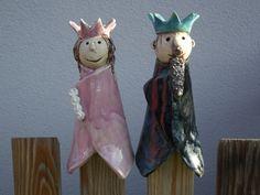 Gartenfiguren - Zaunhocker Prinzessin aus Keramik - ein Designerstück von tongestalten bei DaWanda