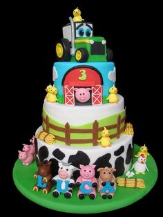 See top of cake for tractor shape/design Barnyard Cake, Farm Cake, Farm Birthday Cakes, 2nd Birthday, Birthday Ideas, Farm Animal Cakes, Farm Animals, Cakes For Boys, Cute Cakes