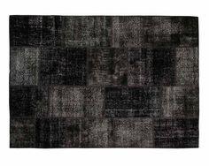 Unser Hiranur ist zweifelsohne vielschichtig und ausgeklügelt.Die Schwarztöne stehen im scharfen Kontrast. Das macht ihn zu einem sehr einzigartigen Teppich. Bestellen Sie Ihren Hiranur Teppich jetzt auf http://www.sukhi.de/ubergefarbte-hiranur-patchwork-teppiche-1.html