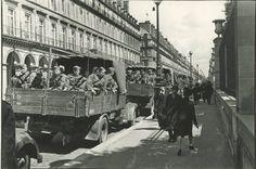 1940 devant l'hôtel Meurice