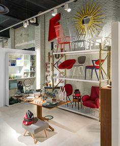 Jaime Beriestain's concept store in Barcelona. Via Llamas' Valley magazine Interior Styling, Interior Decorating, Interior Design, Christian Book Store, Spanish Interior, Urban Decor, Retail Interior, Interior Shop, Amazing Spaces
