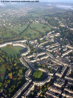 The Circus and the Crescent, Bath UK_single boundary wall permits a country view in the midst of a city