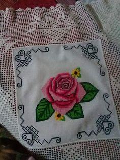 Filet Crochet, Cross Stitching, Cross Stitch Patterns, Diy And Crafts, Lily, Embroidery, Knitting, Rose, Crochet Borders