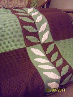 Manta diseño hojas en ganchillo tunecino