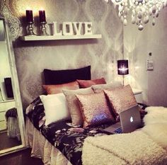 In love with this bedroom look! #homedecor