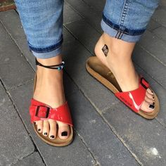 Sexy Sandals, Strap Sandals, Birkenstock Outfit, Mode Shoes, Madrid, Wooden Sandals, Funky Shoes, Gorgeous Feet, Sexy Toes