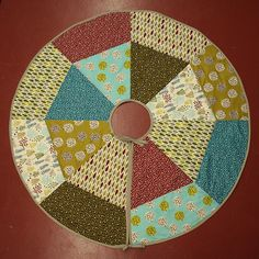 Small Town Craft Fair: Make Your Own Tree Skirt