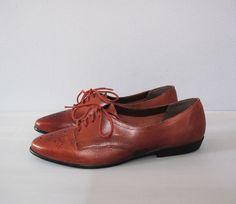 vintage BROWN leather lace up oxfords flats by secretlake on Etsy