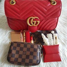 Our Factory offer best Designer HIGH quality replica handbags in cheaper price! Replica Handbags, Purses And Handbags, Brahmin Handbags, Vuitton Bag, Louis Vuitton, Latest Bags, What In My Bag, Cute Purses, Luxury Handbags