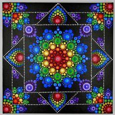 How to Paint Dot Mandalas with Kristin Uhrig online store Mandala Mural, Mandala Art Lesson, Mandala Artwork, Mandala Dots, Mandala Painting, Mandala Drawing, Mandala Pattern, Rock Painting Patterns, Dot Art Painting