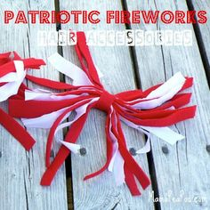 {Patriotic Fireworks Hair Accessories} How to Make Patriotic Hair Ribbons for of July or Canada Day from Mama Peapod Ribbon Headbands, Hair Ribbons, Canada Day Crafts, Fun Crafts, Crafts For Kids, Happy Canada Day, Patriotic Crafts, Diy Hair Accessories, Independence Day