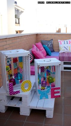 CHILL OUT EN EL JARDÍN Recycled Furniture, Home Decor Furniture, Pallet Furniture, Diy Home Decor, Crate Bench, Booth Decor, Pallet Crates, Diy Wood Projects, Diy Woodworking