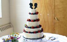 Hochzeitstorte selber zubereiten lecker Früchte Brautpaar