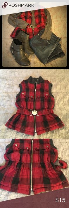 Allen B Red/Black Plaid, Zip Up Vest Adorable! This red and black plaid vest features a zip up closure with a removable belt. Cute button detail at the shoulders with charcoal gray collar and cuffs. It is in excellent condition. ABS Allen Schwartz Jackets & Coats Vests