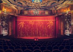 A night at the cinema: reviving the glamour of old Hollywood Eine Nacht im Kino: Wiederbelebung des Glamours von Old Hollywood Dine In Theater, Cinema Theatre, Movie Theater, Theatre Design, Old Hollywood, Hollywood Glamour, Hollywood Night, Hollywood Cinema, 1920s