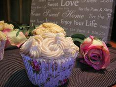 Nuvola Glacé: Cupcakes rellenos de dulce de leche