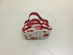 YouTube Makeup Bag Pattern, Sewing Online, Diy Tote Bag, Patchwork Bags, Bag Patterns To Sew, Cloth Bags, Bag Making, Purses And Bags, Pouch