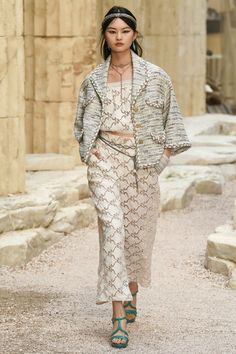 Chanel | Cruise 2018 | Look 51