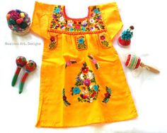 Noemy Yvory Mexican Embroidered Baby Dress por MexicanartDesigns