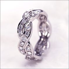 Suwa Eternity ring...This is gorgeous!