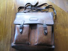 Old vintage angles leather bag perfect leather quality, Original Saddle Leather Saddle Leather, Leather Briefcase, Leather Tooling, Leather Backpack, Leather Bag, Laptop Backpack, Backpack Bags, Vintage Leather, Real Leather
