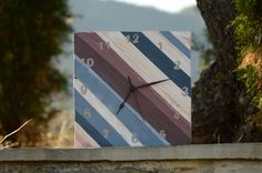 Reloj hecho con madera de palets