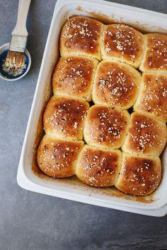 Zemičke sa belim lukom / Garlic rolls