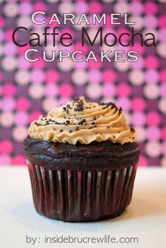 These delicious cupcakes by Inside BruCrew Life are Caramel Caffe Mocha Cupcakes. It's rich and decadent combination of chocolate cupcakes with a caramel Coffee Cupcakes, Mocha Cupcakes, Yummy Cupcakes, Chocolate Cupcakes, Mocha Chocolate, Chocolate Drizzle, Cappuccino Cupcakes, Caramel Cappuccino, Choc Ganache