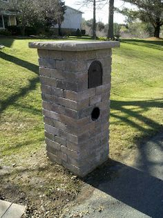 mailbox post Brick Columns Driveway, Driveway Entrance, Outdoor Projects, Outdoor Decor, Outdoor Ideas, Outdoor Spaces, Outdoor Living, Diy Projects, Stone Mailbox