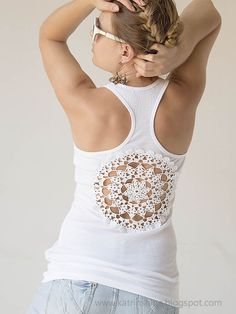 As I wrote before here: Tanks with upcycled vintage crochet doily back I sewn a doily as appliqué on the back of the top. So today I show...