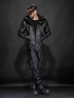 Hooded Jacket with armour plated detail and hero cut silhouette. Ribbing panels under arms and torso achieve the perfect, easy fit. Made with a Cotton Poplin li Black Leather Bomber Jacket, Leather Trousers, Leather Fashion, Leather Men, Mens Fashion, Leder Outfits, Basic Outfits, Young Fashion, Gentleman Style