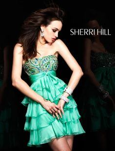 Sherri Hill dresses are designer gowns for television and film stars. Find out why her prom dresses and couture dresses are the choice of young Hollywood. Short Strapless Prom Dresses, Cheap Homecoming Dresses, Sherri Hill Prom Dresses, Prom Dresses Online, Dresses For Sale, Short Dresses, Homecoming Ideas, Dress Sale, 8th Grade Dance Dresses
