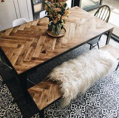 Source: Interior Barn Doors This chevron wood design is the perfect way to add a rustic touch to your dining area. Diy Esstisch, Diy Dining Table, Rustic Table, Kitchen Table Bench, Dinning Table Design, Dining Room Bench, Outdoor Dining, Dinning Table Wood, Daining Table