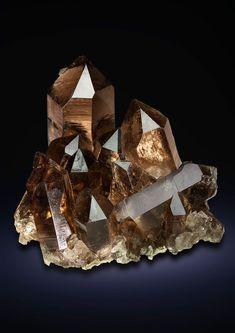 Cool Rocks, Beautiful Rocks, Minerals And Gemstones, Rocks And Minerals, Natural Crystals, Stones And Crystals, Gem Stones, Mineral Stone, Rocks And Gems
