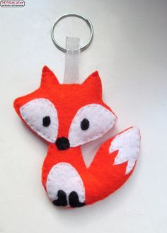 Fox Design, Kids Jewelry, Classroom Decor, Christmas Ornaments, Christmas Ideas, Projects To Try, Brooch, Baby Shower, Stitch