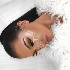 Makeuphall: The Internet`s best makeup, fashion and beauty pics are here. Kiss Makeup, Beauty Makeup, Eye Makeup, Elegant Wedding Hair, Fake Eyelashes, Makeup For Brown Eyes, Makeup Goals, Fashion Pictures, Pretty Hairstyles