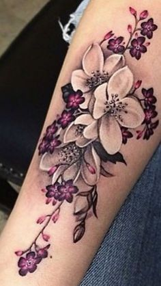 This is such a pretty flower tattoo design!