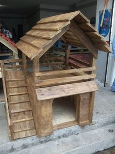 If you love your pet dog and you wish to construct a house for him then it is not a hectic task. You can simple make use of pallets of wood to build a dog house and customize it according to your choice.