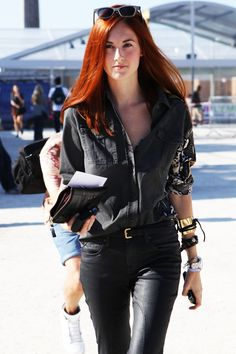 Taylor Tomasi Hill - style and accessories director for US Marie Claire magazine Taylor Tomasi, Stockholm Street Style, Paris Street, Moda Casual, Milan Fashion Weeks, London Fashion, Fashion Editor, Street Chic, Paris Street Styles