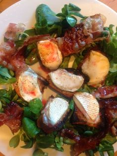 Toasted goat's cheese with pancetta and raspberry vinaigrette