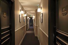 Ambiance du New Hotel de Paris Style Parisienne, Paris Hotels, French Door Refrigerator, Location, French Doors, Kitchen Appliances, Home, Luxury Hotel Rooms, Diy Kitchen Appliances