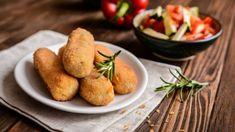 Zucchini croquettes - The Good Recipes Seitan, Les Croquettes, Vegetarian Recipes, Healthy Recipes, Eating Well, Mozzarella, Baked Potato, Nutrition, Zucchini