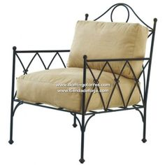 Sillón de hierro forjado con cojines incluidos, modelo Álava. Mueble auxiliar de hierro forjado para su casa rural, chalet, piso, apartamento... Envíos a Álava, Lugo, Lleida, Ciudad Real, Zaragoza... Iron Furniture, Steel Furniture, Industrial Furniture, Furniture Design, Patio Chairs, Table And Chairs, Twin Full Bunk Bed, Diy General, Colourful Cushions