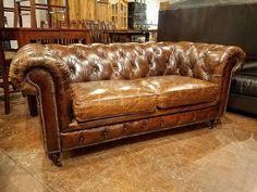 Vintage leather Chesterfield sofa Victorian Furniture, Deco Furniture, Leather Furniture, Vintage Furniture, Chesterfield Sofas, Leather Chesterfield, Leather Sofas, Sofa Seats, Sofa Chair