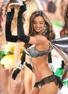 Miranda Kerr Victoria's Secret Fashion Show-2012