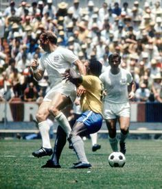 World Cup Finals Guadalajara Mexico June England 0 v Brazil 1 England attacker Bobby Charlton battles for the ball with Brazil's Pele during the. Pure Football, World Football, Good Soccer Players, Football Players, Brazil Team, Bobby Charlton, England National, West Brom, England Football