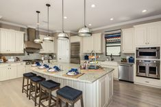 The ideal space for your best #Thanksgiving #feast yet… #kitchendesign #realestate #naples #florida