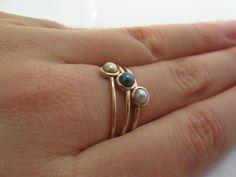 Zarter Goldring mit echter Perle / cute engagement ring with pearl by Arpelc Handgemachter Schmuck via DaWanda.com